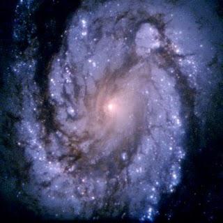 M100-Galaxia_espiral_(Foto_NASA-1994).jpg